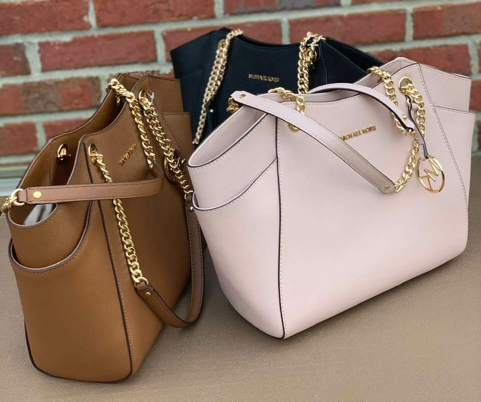 Read more about the article NWT ! Michael Kors Jet Set Travel Chain Shoulder Tote MK Bag or  Wallet
